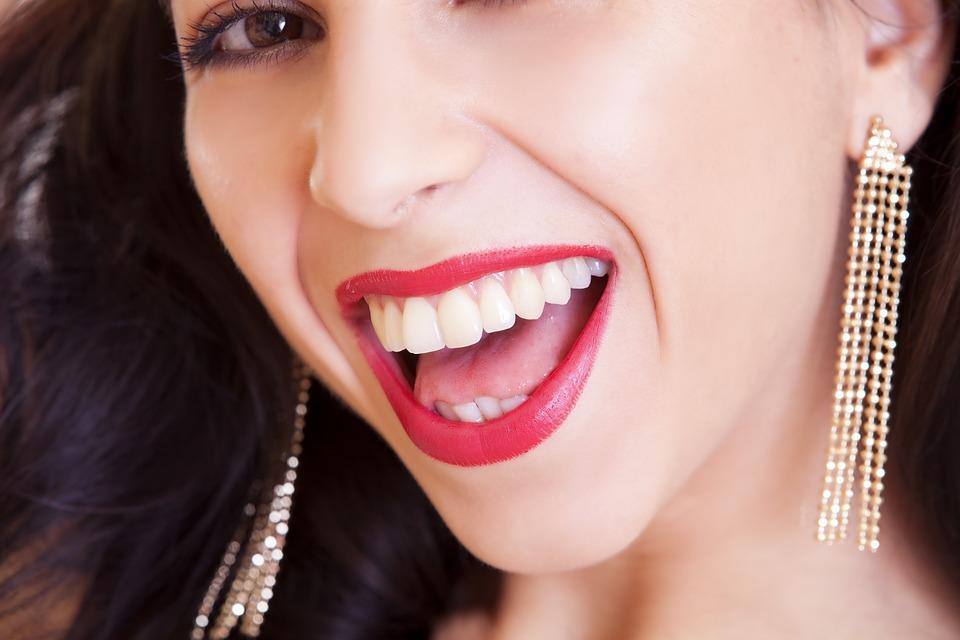 10 namirnica koje jačaju zubnu caklinu